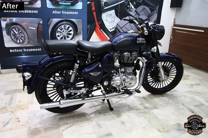 Royal Enfield with Glass Coating.  Protect your bike from Minor Scratches, Protect from Colour fade, Keep Shining for Long Lasting.   Want to know more about Ceramic Glass coat and it's advantages.  ☎️ Call / Whatsapp - 99099 99134  Creative Motors Ahmedabad  #LawGarden #Ahmedabad #Glasscoating #glasscoat #carcoating #ceramiccoatings #detailing #autodetailing #cardetailing #carcare #carlifestyle #Royal #RoyalEnfield