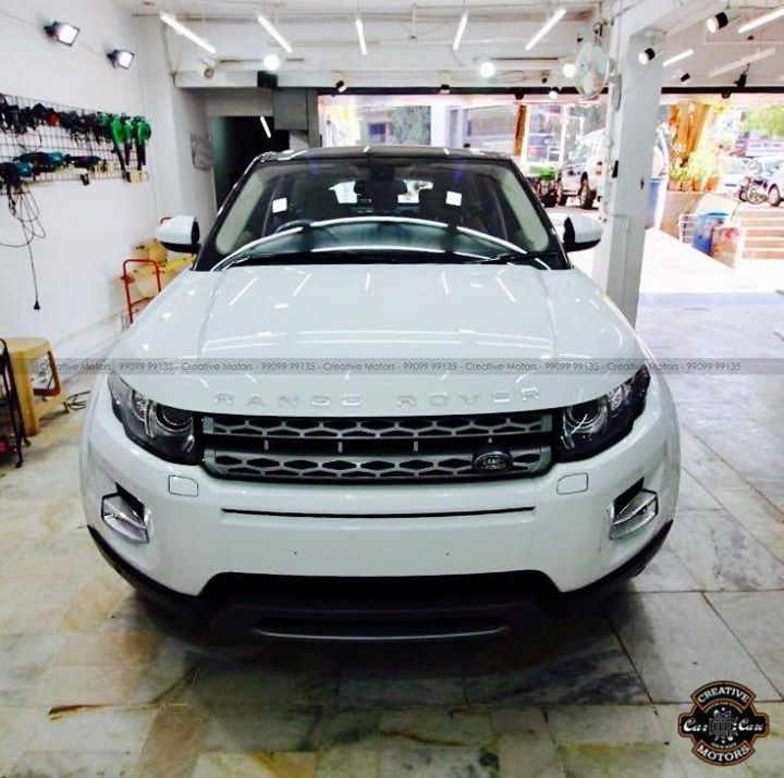 Range Rover Evoque got Ceramic Glass Coated  Creative Motors Ahmedabad 99099 99135  #carwashanddetailing #ceramiccoating #ahmedabad #rangerover #evoque #glasscoating