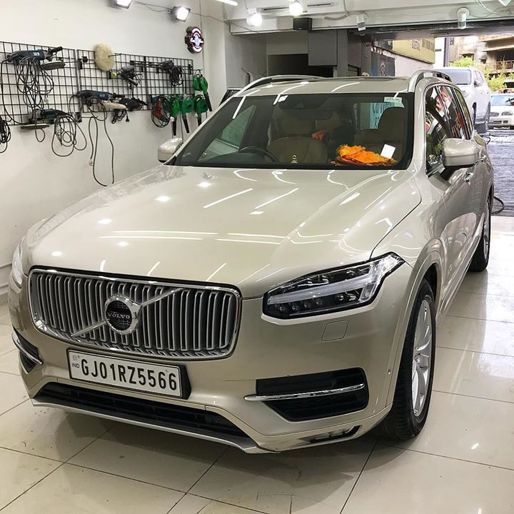 #Volvo #XC90 got Ceramic Coating at Creative Motors Ahmedabad  Benefits of Ceramic Coating👇 🔺9H Hardness coat 🔺Remove swirl marks 🔺Weather Resistance 🔺Mirror finish 🔺UV rays 🔺Water & Dust Repellent  #specialistforceramiccoating  Address:  Creative Motors Ahmedabad GF 12,13 ZION Prime, Near Bagban Party Plot, Off SindhuBhavan Road, Ahmedabad  &  Creative Motors Ahmedabad Gf - 1,2 Urvashi Complex, Mithakhali Six Roads, Ahmedabad  ☎️ Call or Whats App - +91 99099 99135  #carservices #carspa #carwash #creative #motors #details #detailsmatter #luxury #luxuriouscars #shine #automobile #standout #live #pictures #reality #ahmedabad #carlove #speed #clean #thrill #exquisite