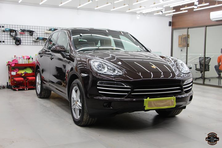 #Porsche #Cayenne got 9H Ceramic Coating at Creative Motors Thaltej  Benefits of Ceramic Coating👇 🔺9H Hardness coat 🔺Remove swirl marks 🔺Weather Resistance 🔺Mirror finish 🔺UV rays 🔺Water & Dust Repellent  #specialistforceramiccoating  Address:  Creative Motors Ahmedabad GF 12,13 ZION Prime, Near Bagban Party Plot, Off SindhuBhavan Road, Ahmedabad  &  Creative Motors Ahmedabad Gf - 1,2 Urvashi Complex, Mithakhali Six Roads, Ahmedabad  ☎️ Call or Whats App - +91 99099 99135  #carservices #carspa #carwash #creative #motors #details #detailsmatter #luxury #luxuriouscars #shine #automobile #standout #live #pictures #reality #ahmedabad #carlove #speed #clean #thrill #exquisite #POrsche #Cayenne