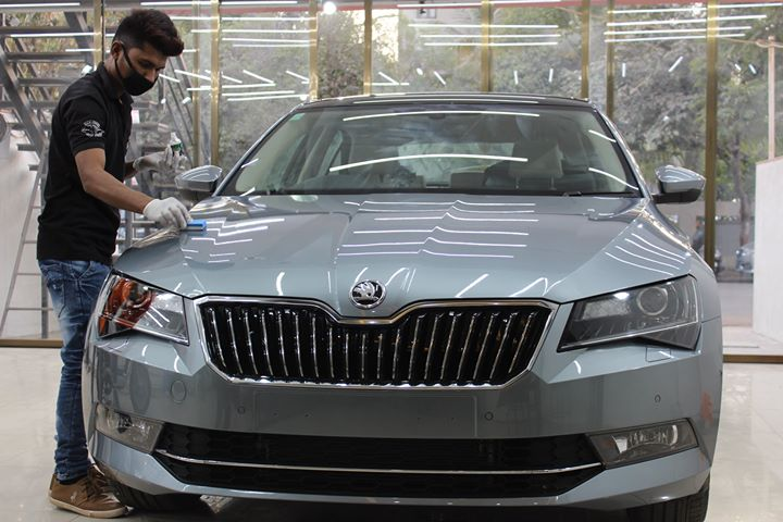Self-cleaning ceramic coating offered by Creative Motors can make car maintenance such a hassle-free job! Want to know more?   Call us Today- 9909999135  Visit - www.creativemotors.in  #SkodaSuperb getting #CeramicCoating