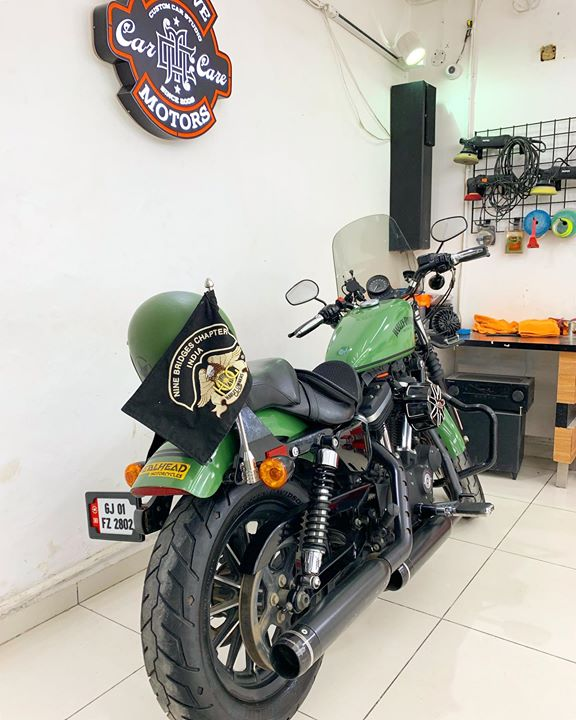 Ceramic Coating on Customised Harley Iron 883   Get your Rides Ceramic Coating at Reasonable Rates  Inquire Now 👉🏻 9909999135  #solorider #happyclient #creativemotors