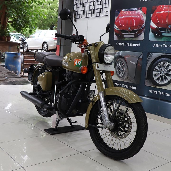 Ceramic Coating on Royal Enfield 🔥  UV Protected & Anti Scratch  For Inquiries: 9909999135 Or  Visit-www.creativemotors.in  #ceramiccoating #glasscoating #nanoceramiccoating #creativemotors @ Creative Motors Ahmedabad