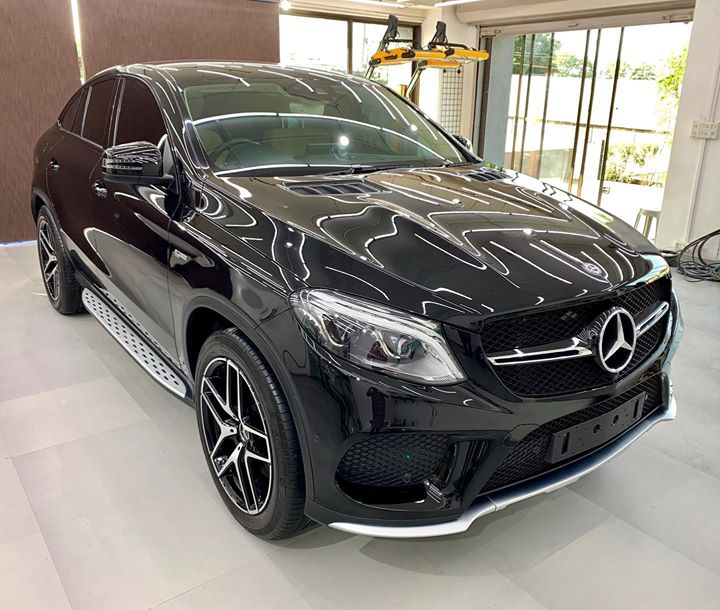 Mercedes GLE 43 AMG Protected by Ceramic Diamond Plus Package  Enriches the Paint & Makes it Scratch Resistant   Benefits 👇       🔺9H Hardness coat    🔺Remove Swirl marks   🔺Weather Resistance    🔺Mirror finish    🔺Avoids UV rays    🔺Water & Dust Repellent   Call-9909999135 or Visit-www.creativemotors.in  #ceramiccoating #nanoceramiccoating #glasscoating #creativemotors #ahmedabad_instagram #ahmedabad #mercedesbenzamg #gle43amg #qualityovereverything  @ Sindhu Bhavan Road - SBR