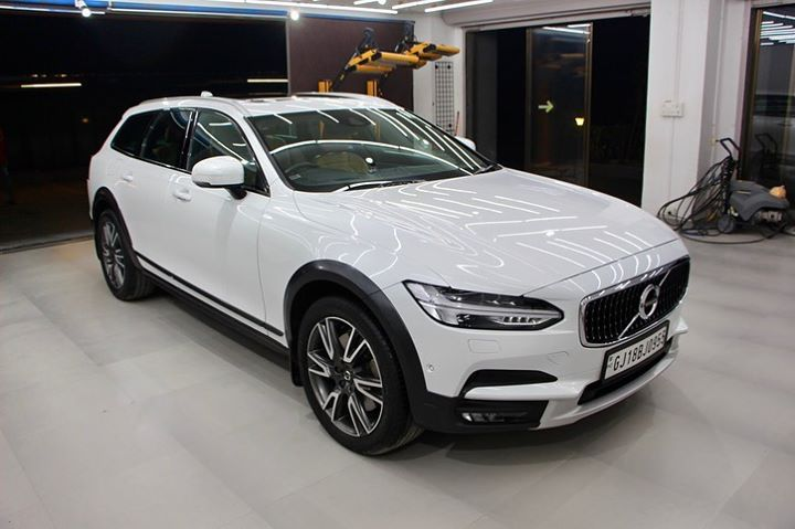 Ceramic Coating on Volvo v90 🔥  Benefits of Ceramic Coating👇  ✅9H Hardness coat   ✅Remove Swirl marks    ✅Weather Resistance     ✅Mirror finish     ✅Avoids UV rays     ✅Water & Dust Repellent     Get the Best Ceramic Coating For your Car Today  Call-9909999135  or  Visit-www.creativemotors.in  @ Ahmedabad, India