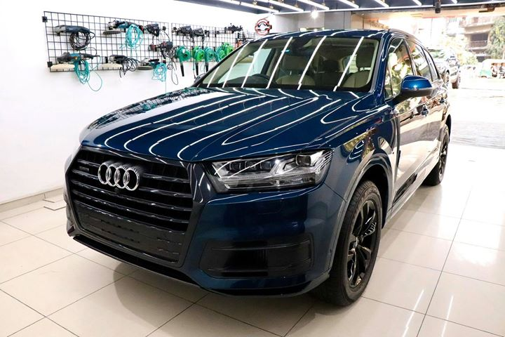 Ceramic Coating on Audi Q7🔥  Benefits of Ceramic Coating👇    ✅9H Hardness coat   ✅Remove Swirl marks    ✅Weather Resistance     ✅Mirror finish     ✅Avoids UV rays     ✅Water & Dust Repellent     Get the Best Ceramic Coating For your Car Today    Call-9909999135  or  Visit-www.creativemotors.in