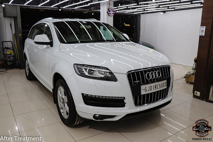 Ceramic Coating on Audi Q7 🔥  Benefits of Ceramic Coating👇 ✅9H Hardness coat ✅Remove Swirl marks ✅Weather Resistance ✅Mirror finish ✅Avoids UV rays ✅Water & Dust Repellent  Get the Best Ceramic Coating For your Car Today  Call-9909999135 or Visit-www.creativemotors.in  #creativemotors #ceramiccoating #glasscoating #bestornothing #Gujaratno1 #cardetailing