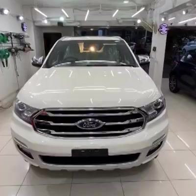 Ceramic Coating Done on Ford Endeavour   Benefits of Ceramic Coating👇    ✅9H Hardness coat   ✅Remove Swirl marks    ✅Weather Resistance     ✅Mirror finish     ✅Avoids UV rays     ✅Water & Dust Repellent     Get the Best Ceramic Coating For your Car Today    Call-9909999135  or  Visit-www.creativemotors.in